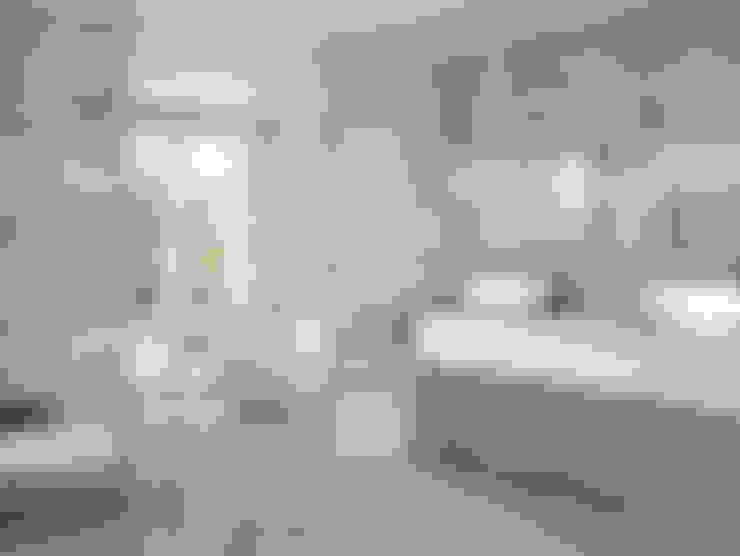 Bathroom by INTERAZULEJO