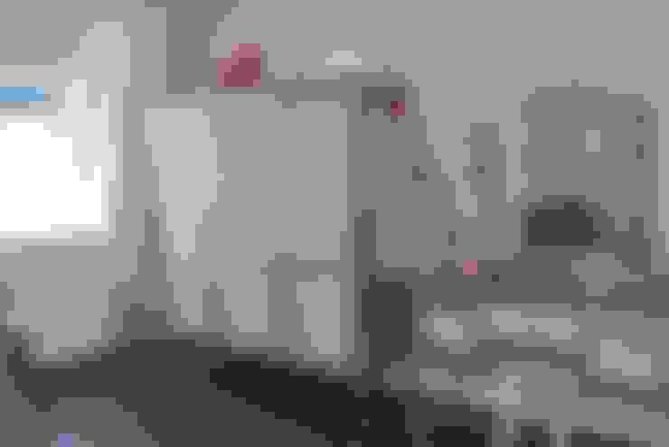 Zilveren kaptafel.:  Kinderkamer door Happykidsart