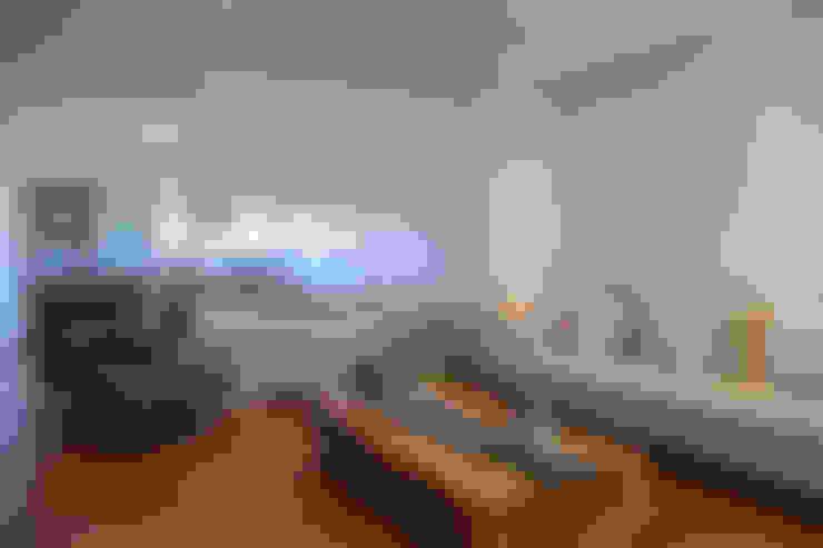 Salas / recibidores de estilo  por Helô Marques Associados