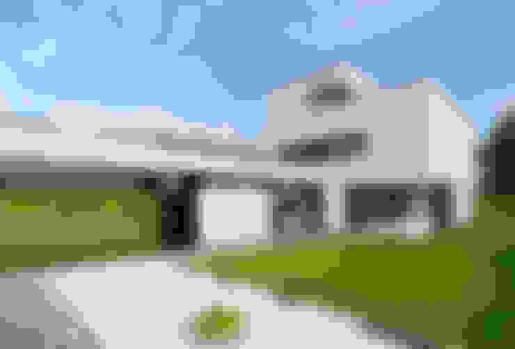 Casas de estilo  por CKX architecten