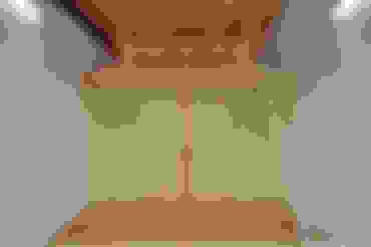 Nursery/kid's room by 若山建築設計事務所