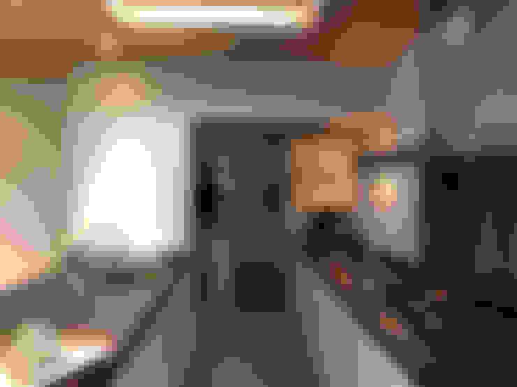 Keuken tussen bestaand en nieuw:  Serre door Roorda Architectural Studio
