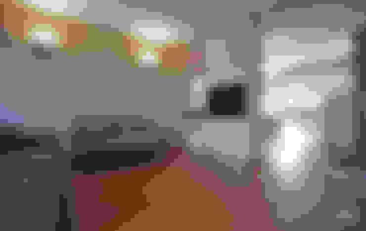 غرفة المعيشة تنفيذ Luca Mancini   Architetto