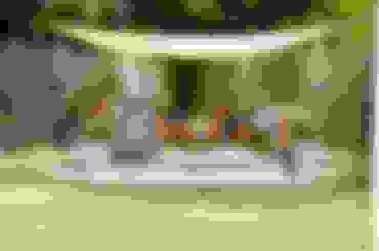 Garden furniture:  Garden  by Lothian Design