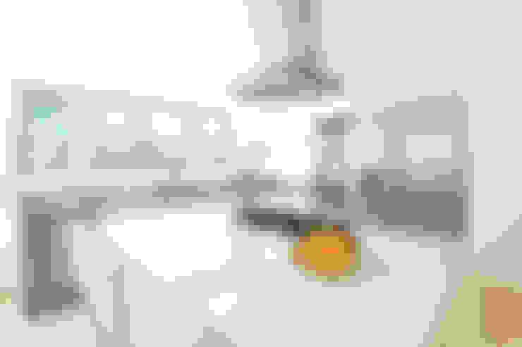 Kitchen by Enrique Cabrera Arquitecto