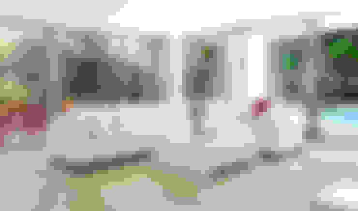 Living room by Enrique Cabrera Arquitecto