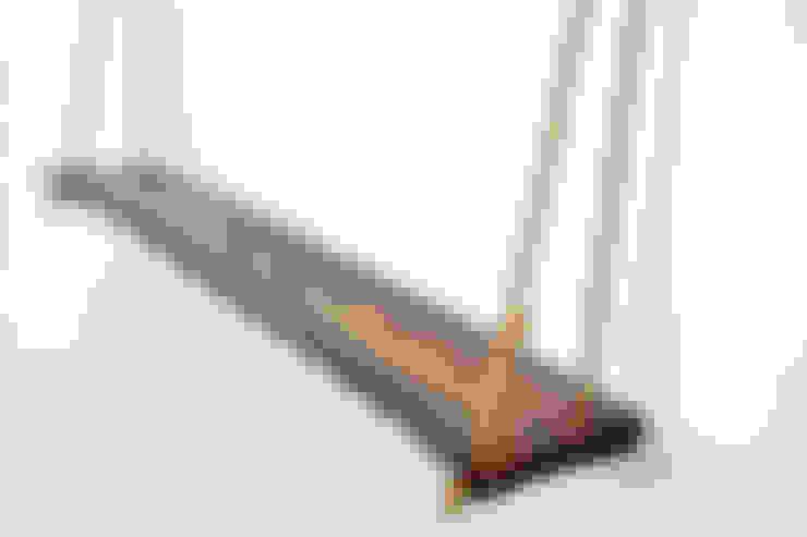 Półka wisząca I: styl , w kategorii Salon zaprojektowany przez Meble z Lasu