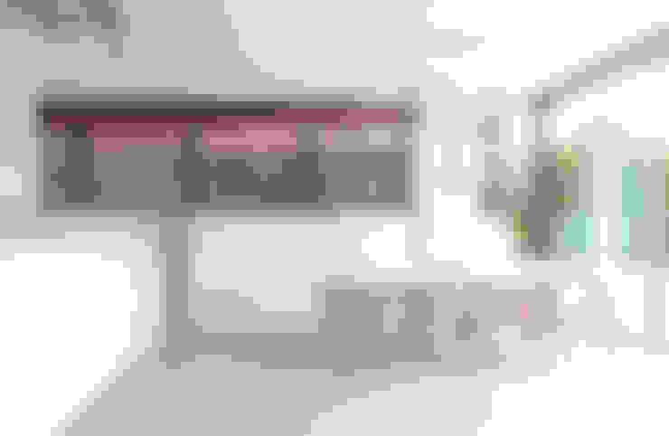 Comedores de estilo  por Russwood - Flooring - Cladding - Decking