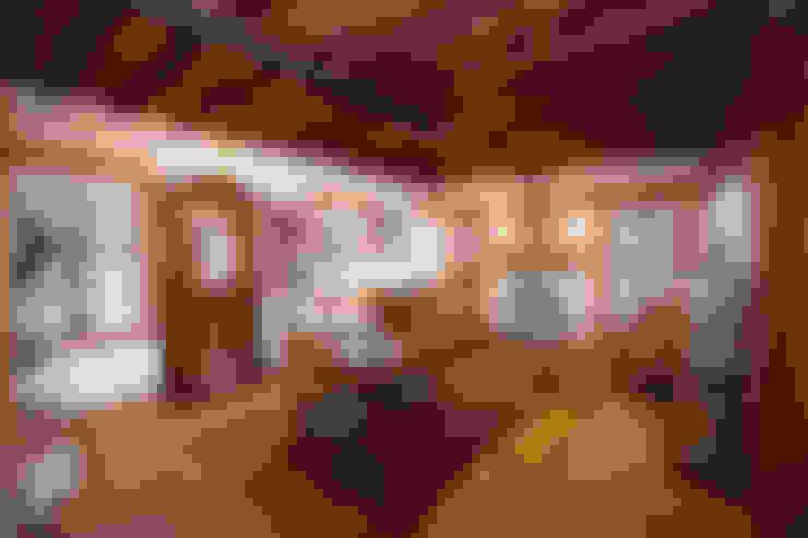 ห้องนั่งเล่น by Hoyran Wedre Country Houses