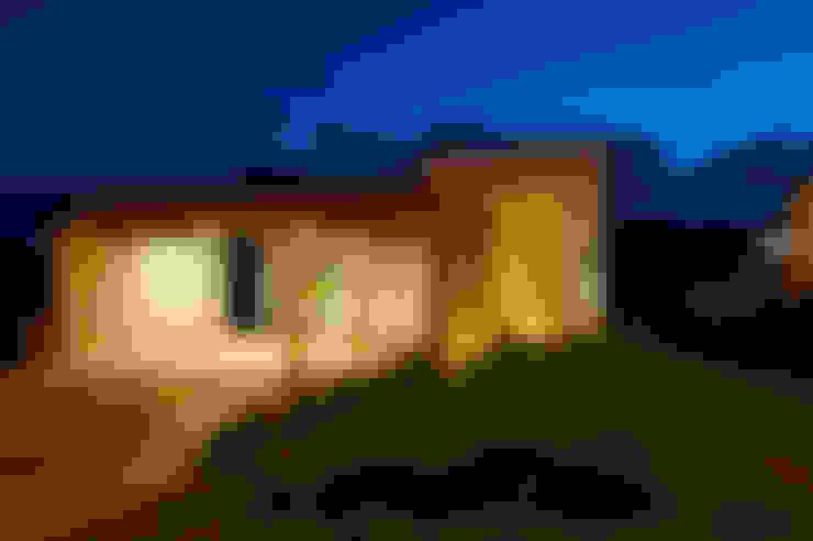 Residência TF: Casas  por ÓBVIO: escritório de arquitetura