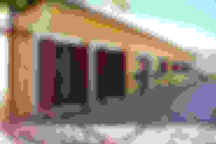 Casas  por Germano de Castro Pinheiro, Lda