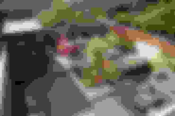 Strakke tuin Ibiza-style in Amstelveen:  Tuin door Biesot