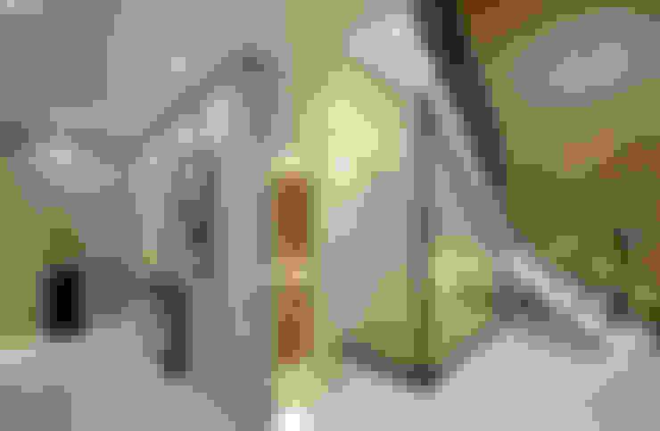 Pasillos y vestíbulos de estilo  por OUA 오유에이