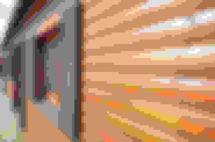 Domek Drewniany Letniskowy 10x3,5m - Producent domków mobilnych: styl , w kategorii Domy zaprojektowany przez Letniskowo.pl Sp. z o.o. Sp.k.