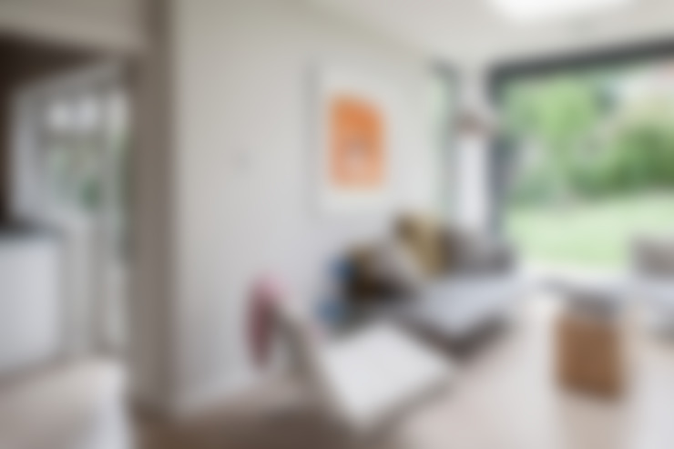 Living room by Nic  Antony Architects Ltd