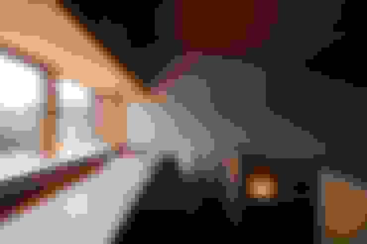 ห้องทำงาน/อ่านหนังสือ by 宇佐美建築設計室