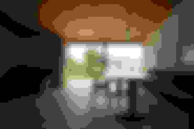 Wohnzimmer von 宇佐美建築設計室