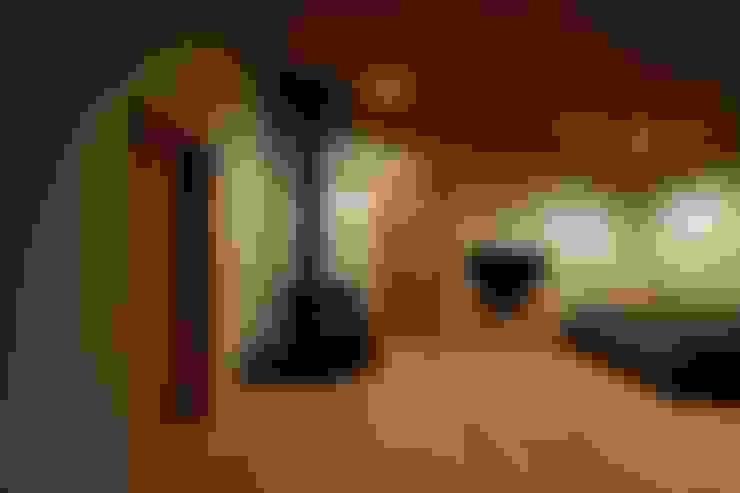 Salas/Recibidores de estilo  por 宇佐美建築設計室
