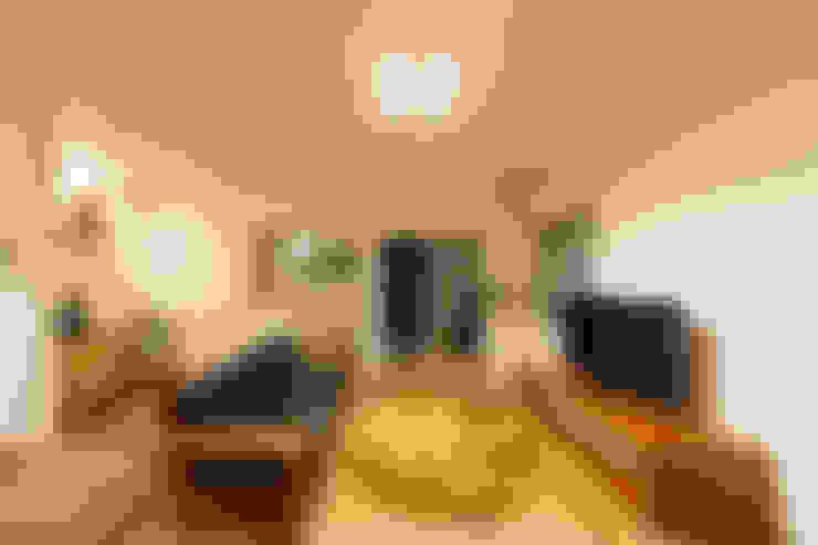 客廳 by 株式会社トランスデザイン