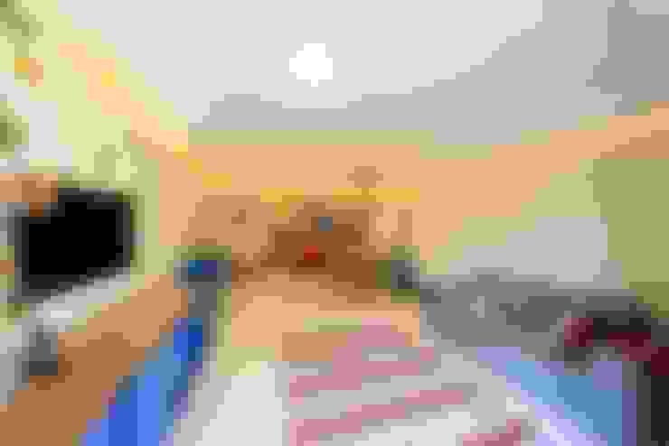 Sala de estar: Salas de estar  por Item 6 Arquitetura e Paisagismo