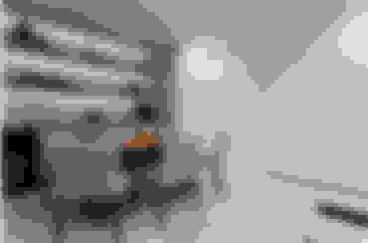 Apartamento Rio Vermelho: Salas de jantar  por Spinola+Carvalho Arquitetura