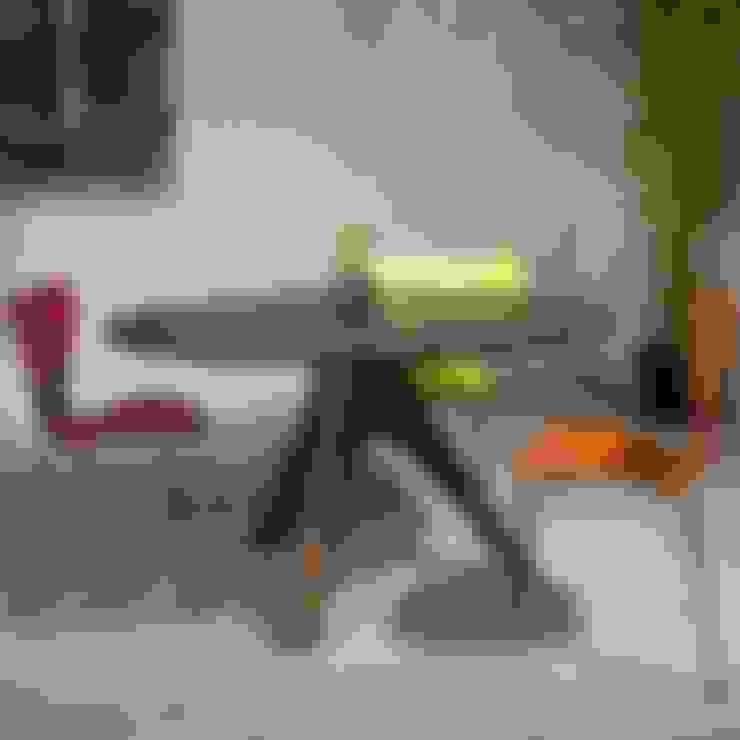 Salle à manger de style  par Pemara Design