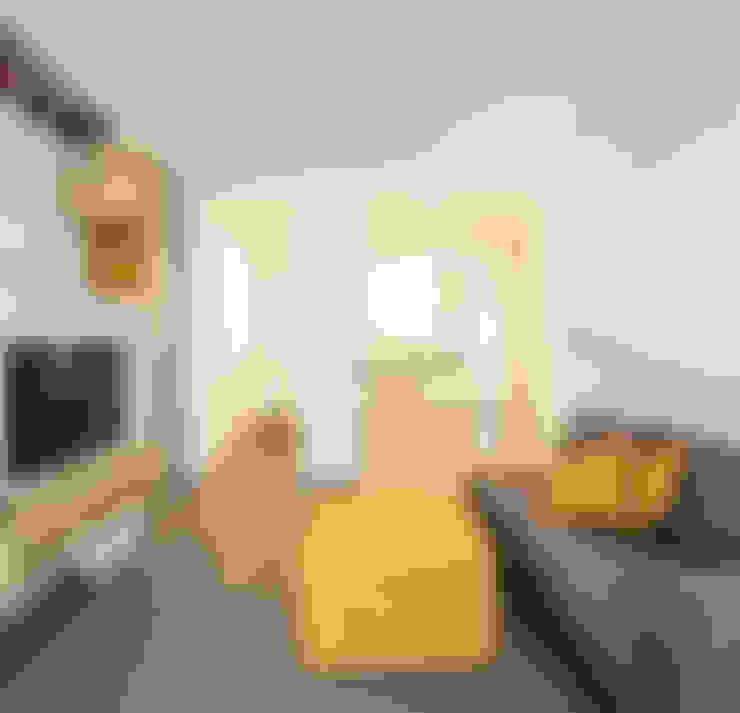 Salas / recibidores de estilo  por ristrutturami