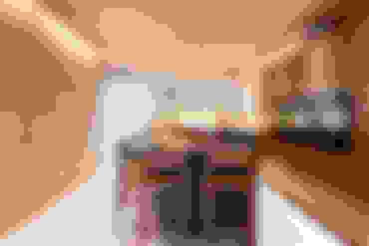 Loft do Casal: Cozinhas  por Denise Barretto Arquitetura