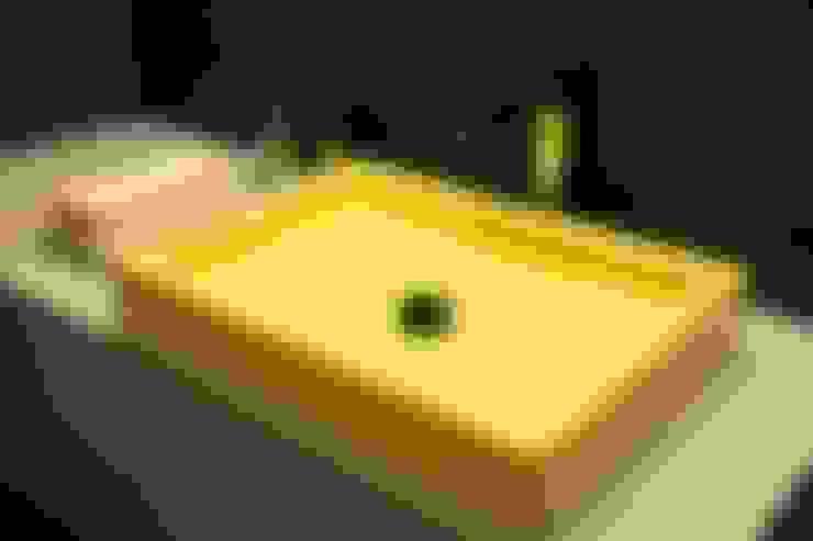 Salle de bain de style  par TAU ARCHITETTURA