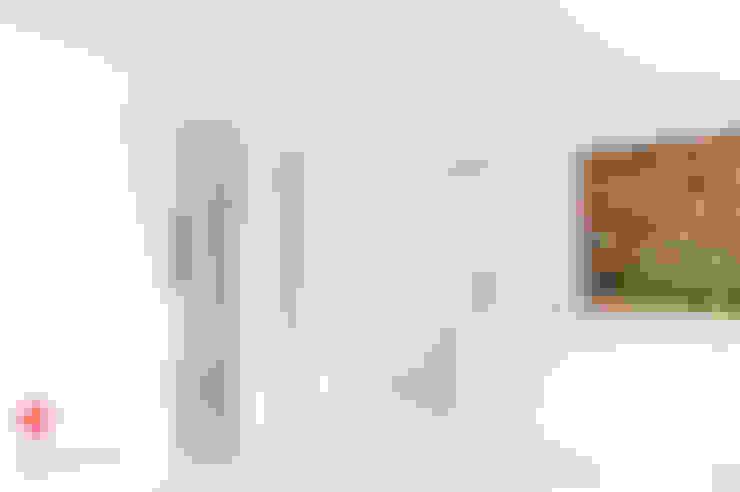 Moderne taatsdeur op maat:  Ramen & deuren door Anyway Doors