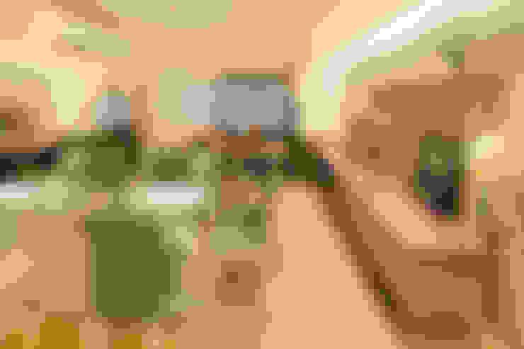 Novo e descolado.: Salas de jantar  por C. Arquitetura