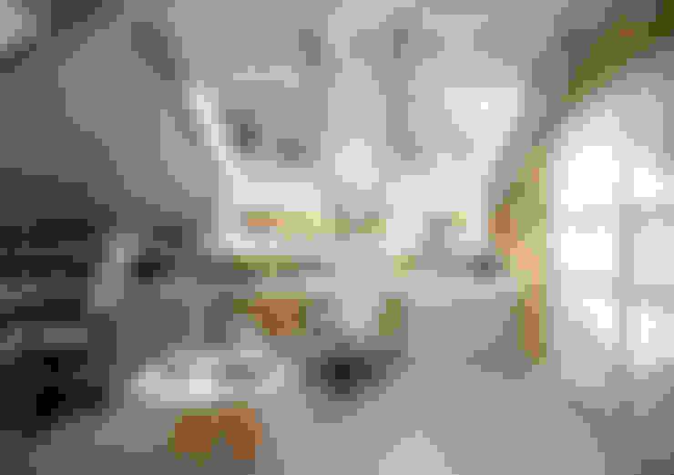 Estudios y despachos de estilo  por Студия интерьерного дизайна happy.design