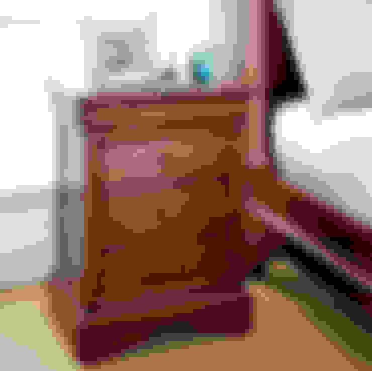 Спальная комната  в . Автор – CROWN FRENCH FURNITURE