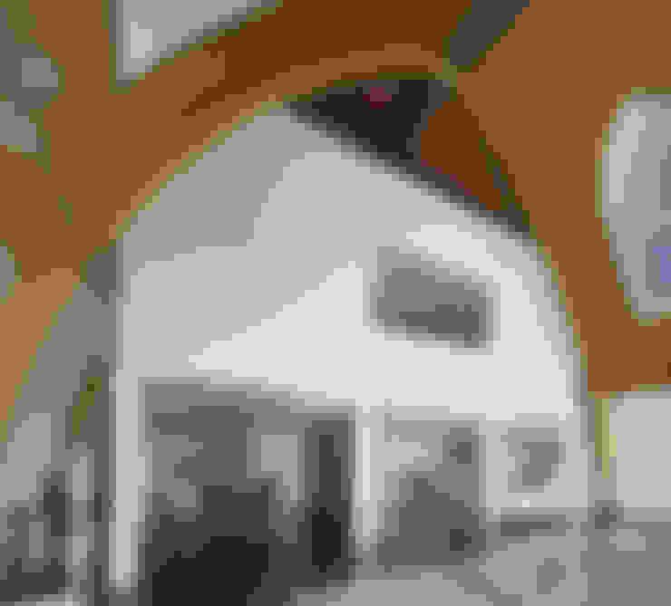 Huis in een kerk:  Eetkamer door Ruud Visser Architecten