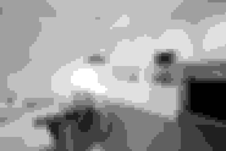 Kitchen by 23bassi studio di architettura