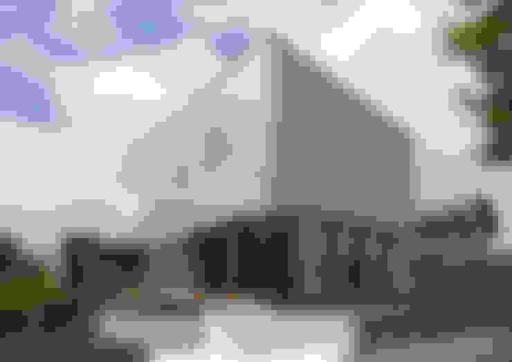 Rumah by アトリエ24一級建築士事務所