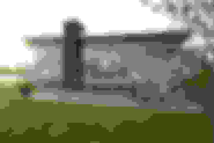 Voorzijde 2:  Huizen door OX architecten