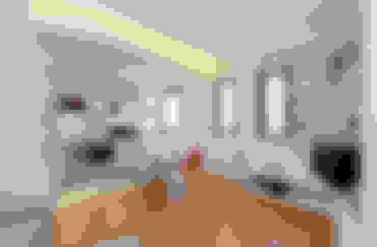 غرفة المعيشة تنفيذ ROBERTA DANISI ARCHITETTO