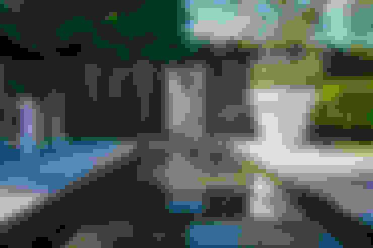 Vườn by Barnes Walker Ltd