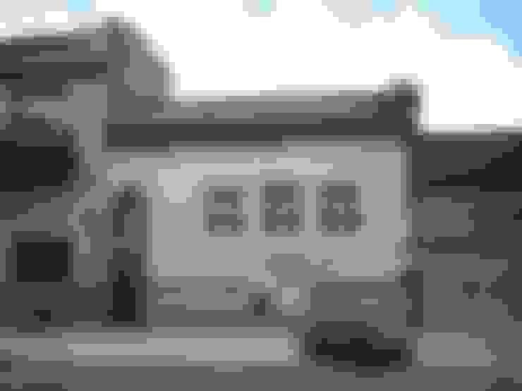 Case in stile  di Parrado Arquitectura