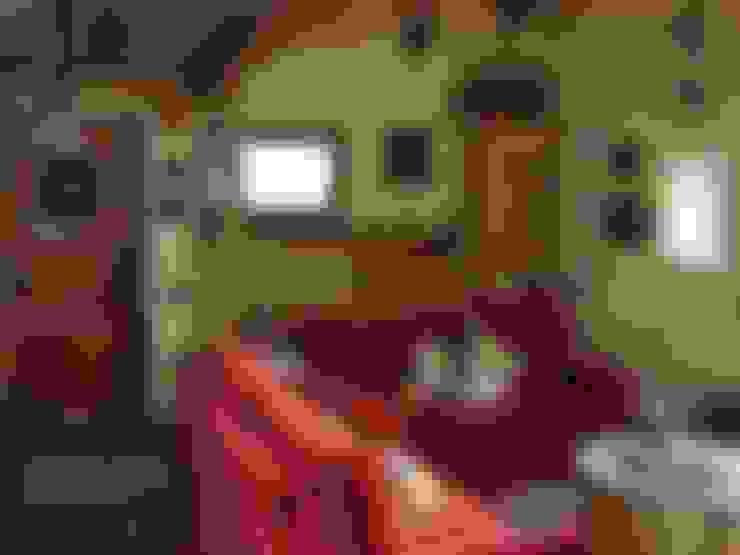 Living room by Eddy Cretaz Architetttura
