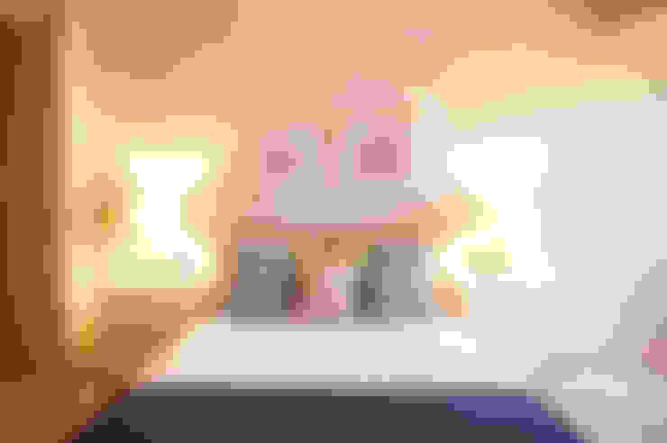 Dormitorios de estilo  por Casas en Escena