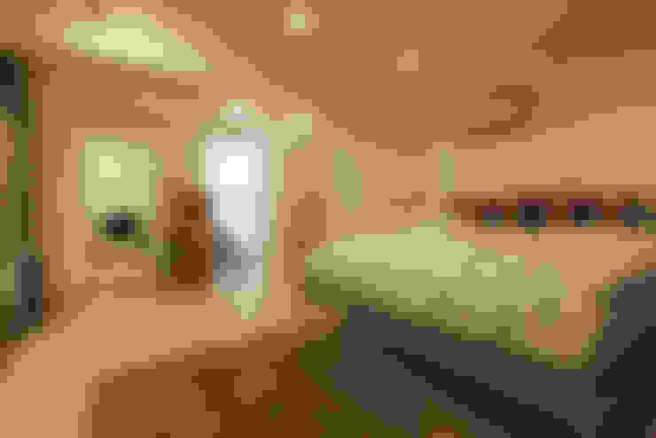 ห้องนอน by 有限会社タクト設計事務所