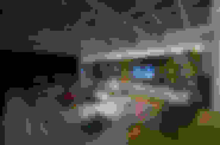 Living: Salas de estar  por HECHER YLLANA ARQUITETOS