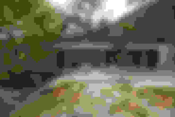 Rumah by CORREIA/RAGAZZI ARQUITECTOS