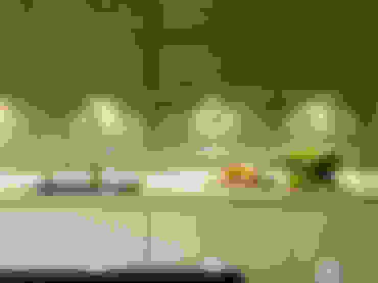 Cocinas de estilo  por Diane Berry Kitchens