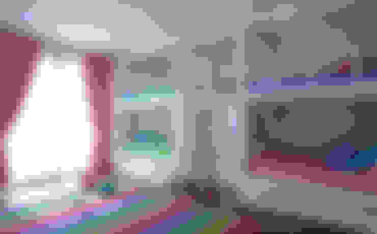 Stanza dei bambini in stile  di VICTORIA PLASENCIA INTERIORISMO