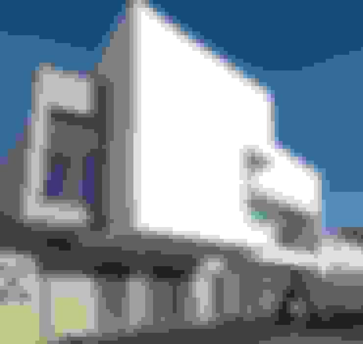 Houses by ESTUDIO P ARQUITECTO