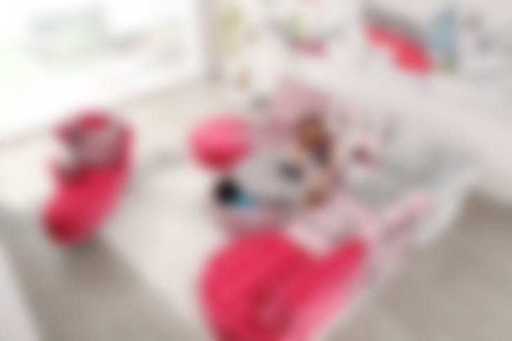 Living room by MUEBLES OYAGA