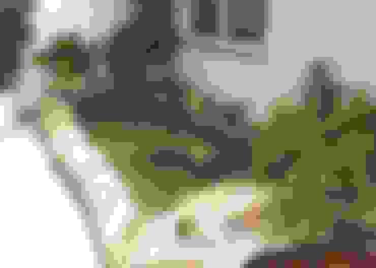 Lago ornamental tropical: Jardim  por Moradaverde Arquitetura
